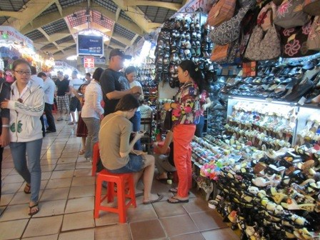 Những chợ đầu mối chuyên sỉ giày thể thao trẻ em nam nữ